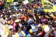 Capriles: Expulsión de funcionarios norteamericanos no resue...