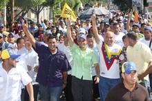 Capriles: Incremento de salario mínimo sólo compensa lo que ...