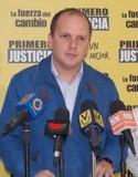 Diputado Ángel Medina cree que es absurdo convocar a paro cu...