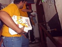 Niños de Bucaral recibieron útiles y textos escolares