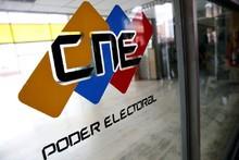 Diputados de la AN acuden al CNE para exigir sustituciones d...