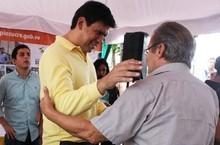 Alcalde Ocariz ha entregado 869 ayudas económicas durante 20...