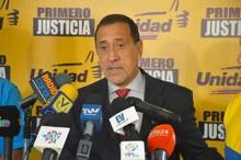 José Guerra: Juan Requesens