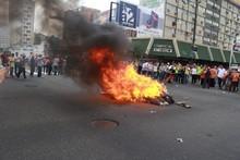Zulianos queman a los siete Judas del TSJ