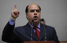 Borges: Los hermanos Rodríguez representan la represión en V...