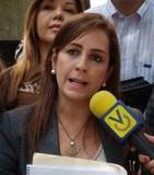 María Auxiliadora Dubuc: Pero... Tenemos Patria???
