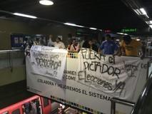 Diputados de Primero Justicia protestan en el Metro de Chaca...