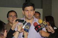 """Ocariz: """"Ayudamos a nuestra gente de Sucre sin pedir ca..."""