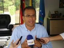 Ovidio Lozada pide aumentar los sueldos de las policías muni...