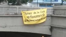 Amanecen pancartas en toda Venezuela exigiendo Revocatorio Y...
