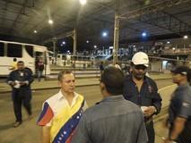 Wilson Castro visita portones de las empresas básicas