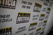 Primero Justicia remueve a tres diputados relacionados con l...