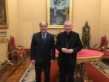 Borges y el Cardenal Parolin conversaron en El Vaticano sobr...