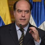 Julio Borges: Maduro debe decidir si se va por las buenas o ...